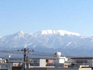 事務所から立山を撮影3.jpg